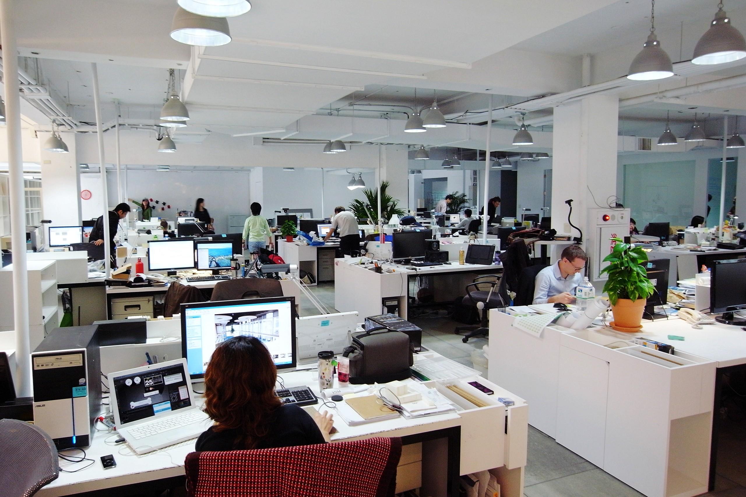 Modern Workplace.jpeg